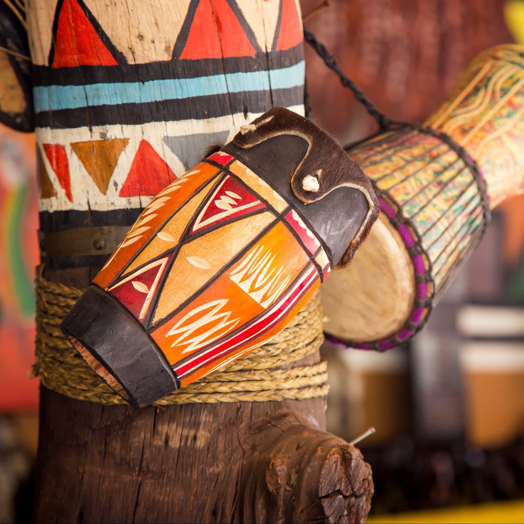 Tamtam africain, tambour brousse, voyage.