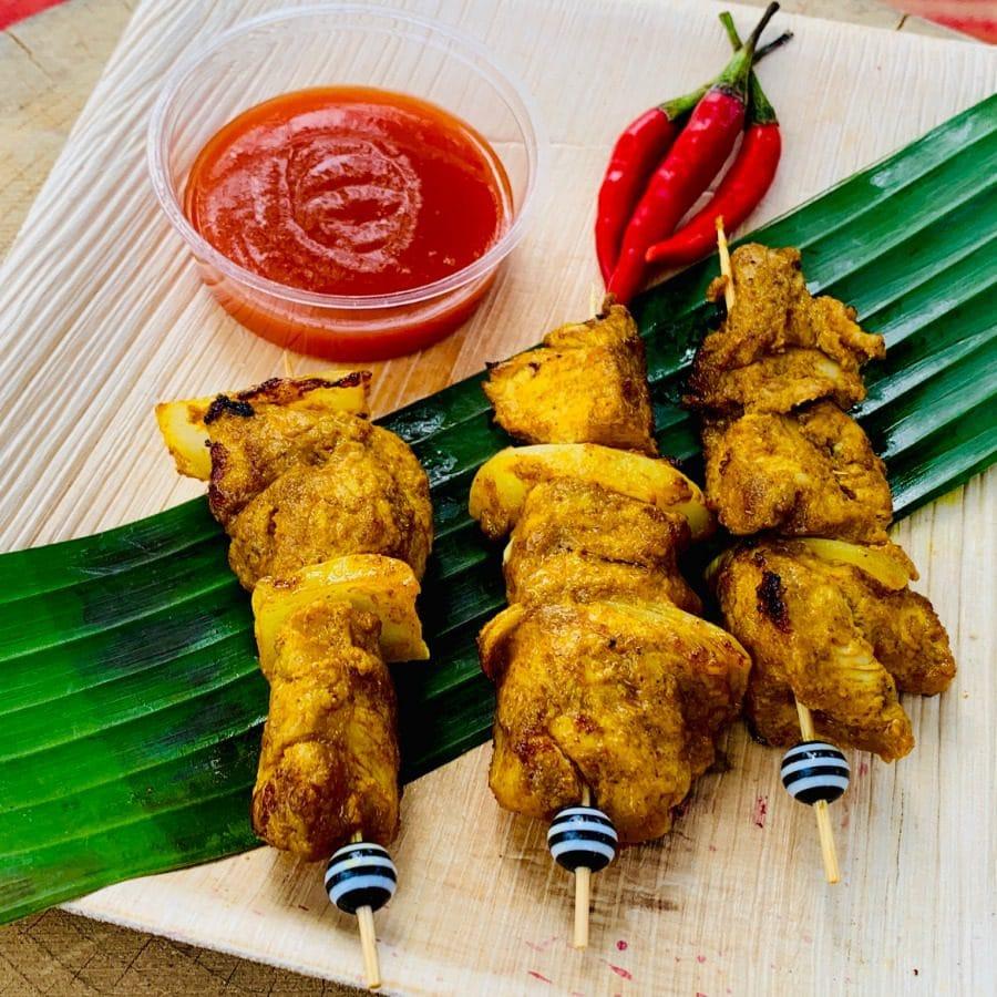 Brochettes poulet, épices Afrique Asie, pimentées.